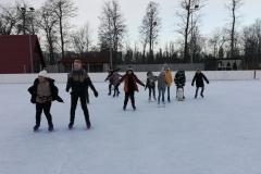 Klasa VI na lodowisku